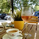 Lido utcai kávézója és bárja