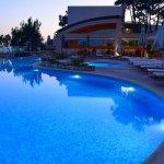 Foto de Akrotiri Beach Hotel
