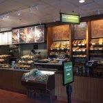 Pandora Bread counter service