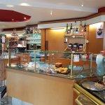 Cafe Konditorei Luckner: The Counter