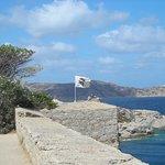 Vue sur le phare de la Pietra depuis la Citadelle