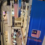 Photo de Suria KLCC Mall