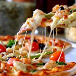 Fresh toppings and hot pizza 🍕😋 every time...