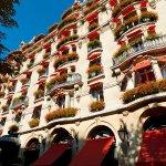 Hotel Plaza Athenee Facade HIGHRES
