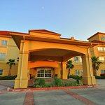 Photo of La Quinta Inn & Suites Brookshire