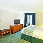 Photo of La Quinta Inn & Suites Cincinnati Sharonville