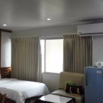 Spacious room + strong air-condition