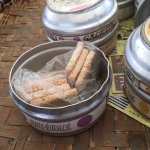 Biscuits Rault in tins