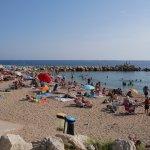Kostenloser Strandabschnitt im Osten der Croisette