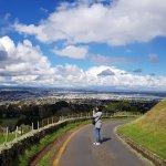 Foto de One Tree Hill (Maungakiekie)