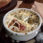 Entrada mozzarella al ajo
