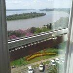 Vista de la rivera del río y el Parque Urquiza