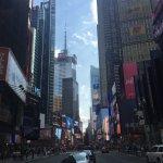 Photo de Renaissance New York Times Square Hotel