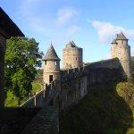 vu sur une partie de l'enceinte du château