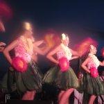 Hula girls!