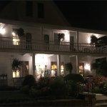 White Gull Inn at night