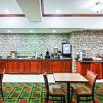 Photo of La Quinta Inn & Suites Longview North