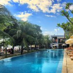 Sunset Pool at HQ Beach Club