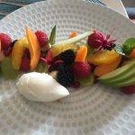 Salade de fruits de saison et sa glace bergamote