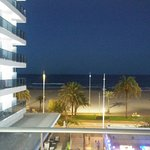 Pedir habitacion alta que de directamente al mar, no a la terraza