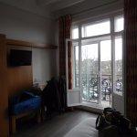 Photo de Hôtel Moderne