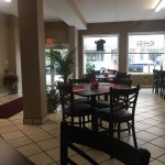 Aleco's Cafe And Restaurant