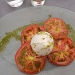 Mozzarella Tomates sauce pesto