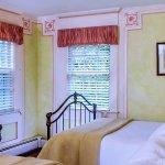 Photo de Queen Anne Inn Cafe & Lounge