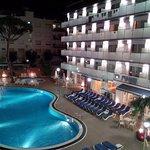 Photo de Hotel Mar Blau