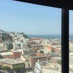 """Vu de la chambre """"bay view 17 eme etage"""