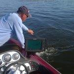 Mark is behulpzaam bij elke vangst.