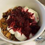 Yoghurt & granola