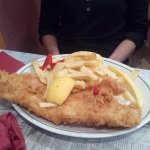 Large cod and chips along (+ tomato sauce)