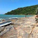 Vista lateral da praia da Tartaruga