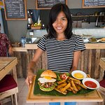 Rendang Burger - Sumatera taste in a jaw dropping Burger!
