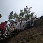 Queue to Sigiriya Rock 2