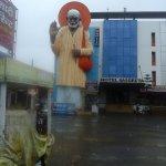 sai baba big statue