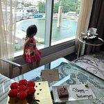 Hotel Indonesia Kempinski Photo