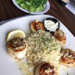 Canadian Sea Scallops, choose any 2 sides (I chose rice and broccoli) -Cooked to perfection; del