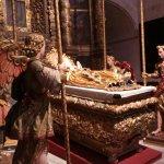 La Vierge gisante (Chapelle Notre-Dame-de-la-Couronne)