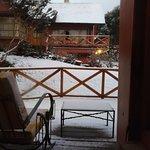 Foto tirada de dentro do quarto depois da neve de uma noite inteira!