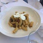 Rigatoni with veggies and mozzarella