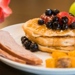 Enjoy a complimentary hot breakfast!
