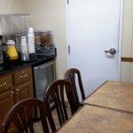 Small breakfast room.