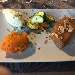 demi camenbert, poelee courgettes, puree de carottes et de pommes de terre