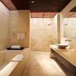 bvilla+seaside   Bathroom