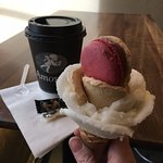 real nice-looking gelato with macaroon