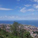 Hava açınca mavileşen karadeniz ve Trabzon manzarası