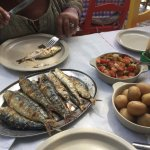 Very good sardines, with fat, the house wine also very good, beware, always check the final chec