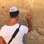 praying on the western wall